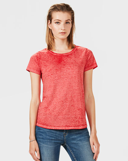 DAMEN-T-SHIRT IN GARMENT-DYED-OPTIK Rot