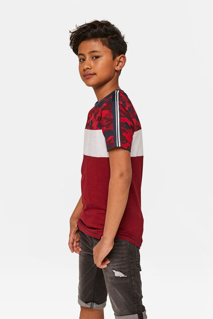 Jungen-T-Shirt mit Colourblock-Camouflage-Muster Rot