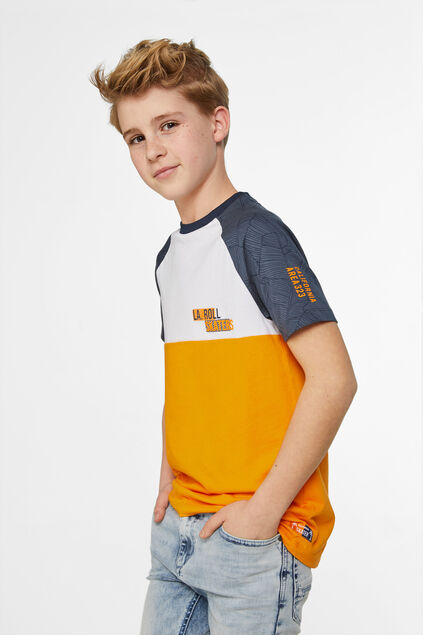 Jungen-T-Shirt in Colourblock-Optik Mehrfarbig
