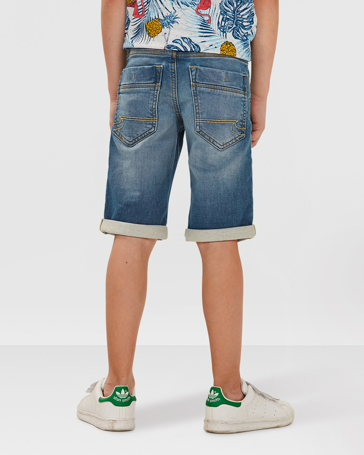 jungen jog denim shorts 79585217 we fashion. Black Bedroom Furniture Sets. Home Design Ideas