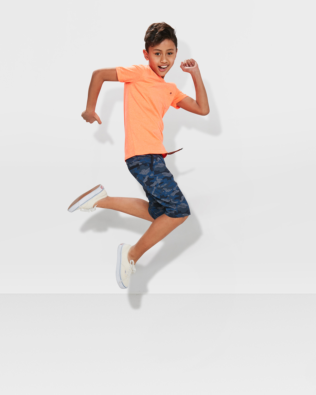 unisex kinder t shirt mit brusttasche 79812924 we fashion. Black Bedroom Furniture Sets. Home Design Ideas